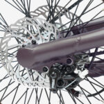 STRIDA SX Urban Bronze - Design Fahrrad - Design Faltrad - dreieckig - dreieckiges - Dreieckiges Faltrad - Eingang - einzigartiges Faltrad - Fahrrad - Faltbares Fahrrad - Faltbares Fahrrad kaufen - Faltbares Fahrräder kaufen - Faltrad - Faltrad-Shop - Falträder - Falträder kaufen - Geschäft - Kaufen - Klapprad - Klapprad kaufen - Leicht - neu - strida - Strida design Faltrad - sx - zu verkaufen - zusammenklappbares Fahrrad